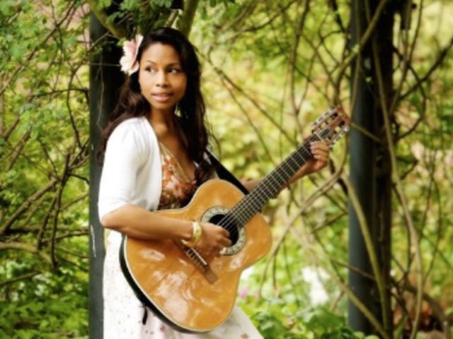 Singer - Elisa 8